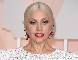 """Lady Gaga rivelazione choc: """"A 19 anni ho subito una violenza sessuale e da allora ho sviluppato una malattia mentale"""""""