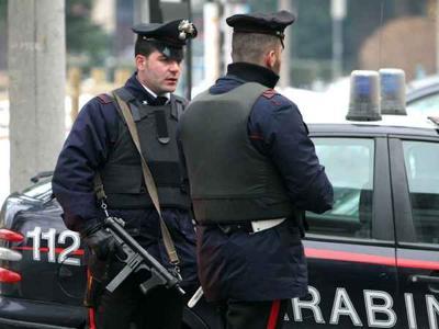 Puglia far west, rapina in una famosa tabaccheria, rapinatori armati e incappucciati