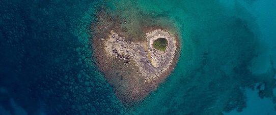 Puglia, scoperta eccezionale nel Salento esiste un'isola a forma di cuore!