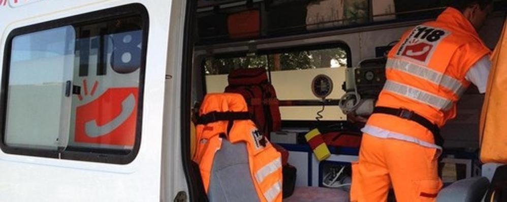 Tragedia a Bari, cade dal secondo piano e muore