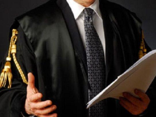 Puglia tragedia, un avvocato impugna una pistola e uccide il cliente