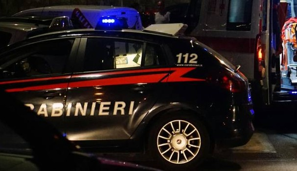 Puglia, forte esplosione nella notte, una bomba danneggia i vetri e il portone del palazzo