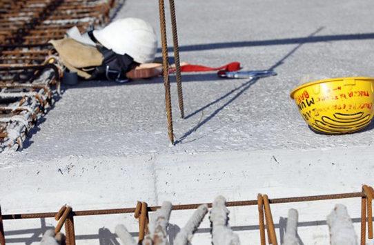 Puglia tragedia, operaio cade dall'impalcatura, morto