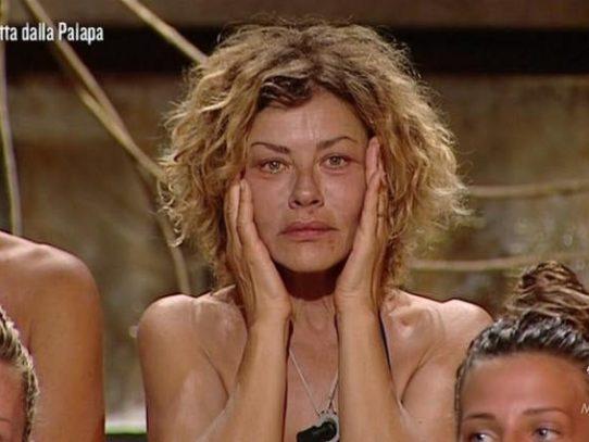Momenti di alta tensione all'Isola dei Famosi, Eva Grimaldi ruba il riso a Nancy e Malena