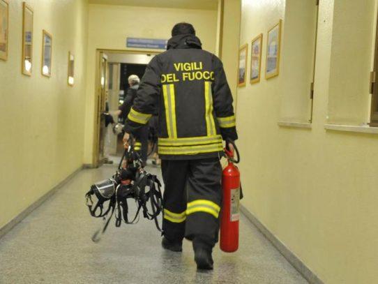 Attimi di terrore in un ospedale in Puglia per uno spaventoso incendio, evacuato reparto di pediatria