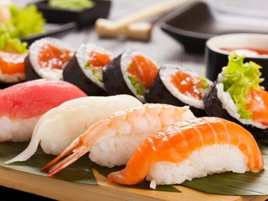 33enne muore dopo aver mangiato a Pasqua il sushi