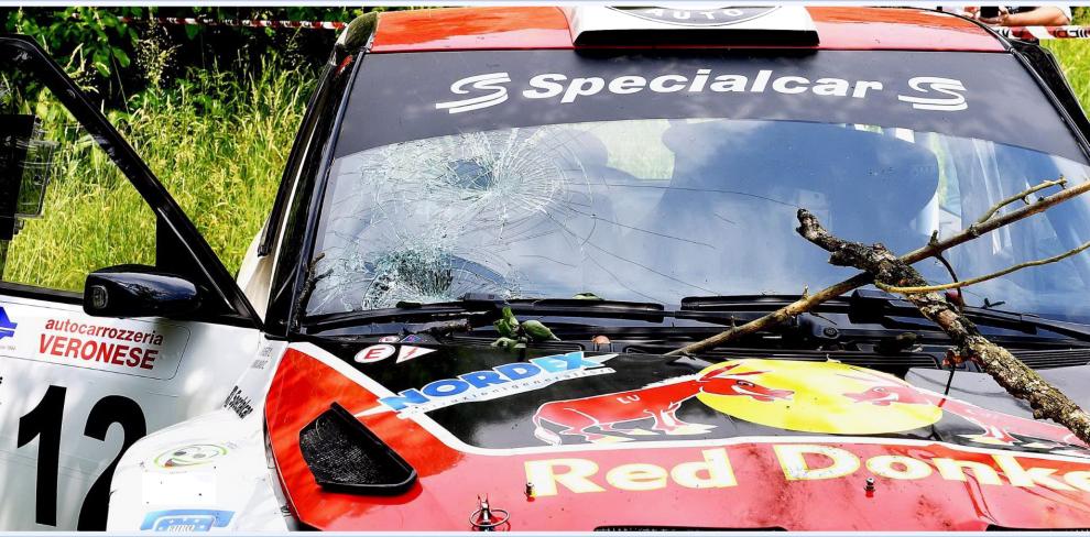 Rally, auto finisce contro il pubblico, muore piccolo di soli 6 anni