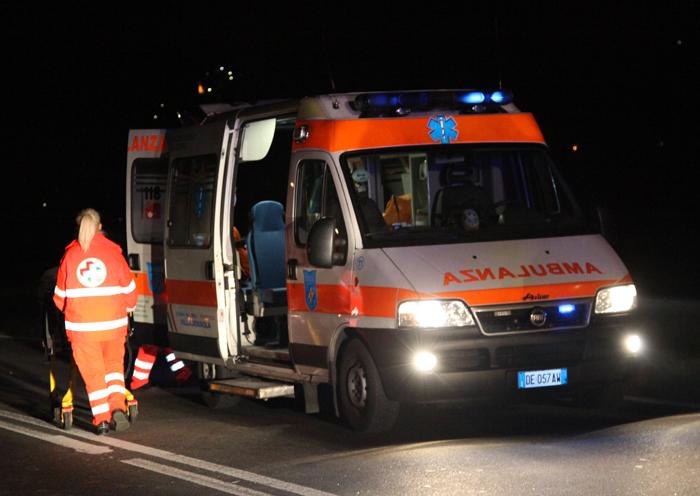 Bari, grave incidente sulla statale 100 vicino uscita Mungivacca, traffico paralizzato ferita una donna