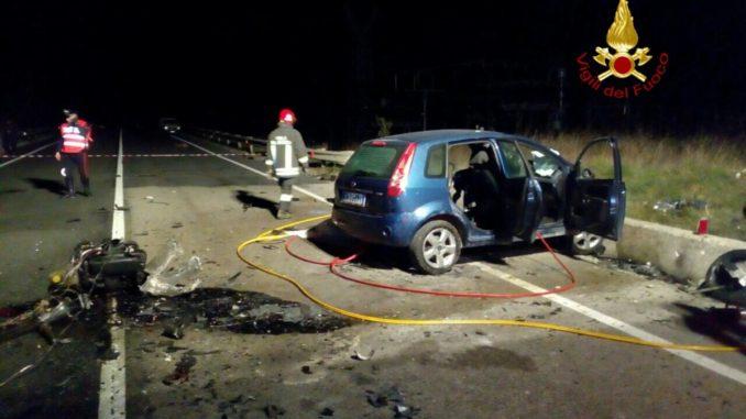 Folle gara di velocità tra due auto, investito e ucciso un uomo di 53 anni