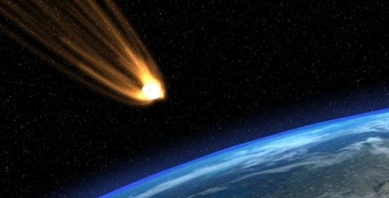 Meteorite enorme esplode nel cielo del Nord Italia. Foto choc