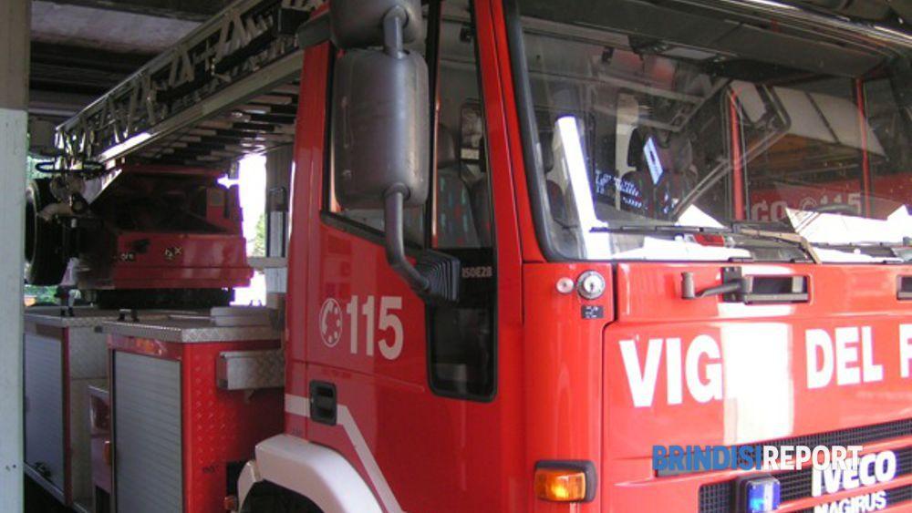 Bari paura tra abitanti Japigia e Madonnella, in pochi minuti divampati due incendi
