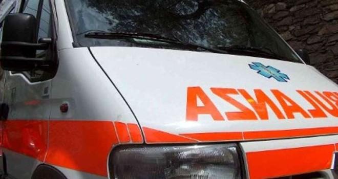 Nel barese gravissimo incidente, due ragazzini travolti sul marciapiede da un'auto, ricoverati in codice rosso