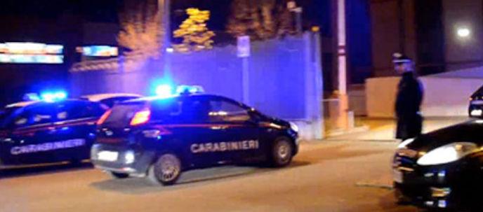 Puglia, coppia di fidanzati si picchia per strada, lei finisce in ospedale e denuncia lui