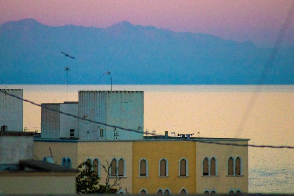 Fenomeno raro possibile grazie alle condizioni particolari climatiche, fotografate dalla Puglia le isole greche