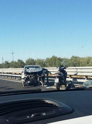 Puglia, conducente grave, perde il controllo dell'auto che urta contro guard rail dopo testacoda