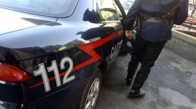 Puglia, rissa in pieno centro tra due extracomunitari sull'asfalto, bloccato il traffico cittadino
