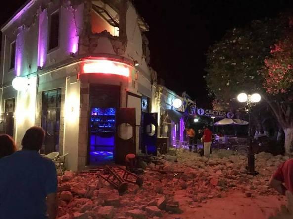 Fortissimo terremoto e tsunami nelle isole greche e in Turchia, almeno 2 morti e più di 100 i feriti