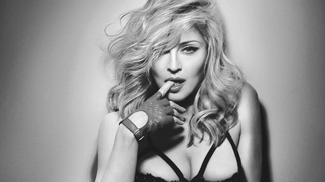 Madonna festeggerà il suo compleanno in Puglia, top secret la location, arriverà con Jet privato