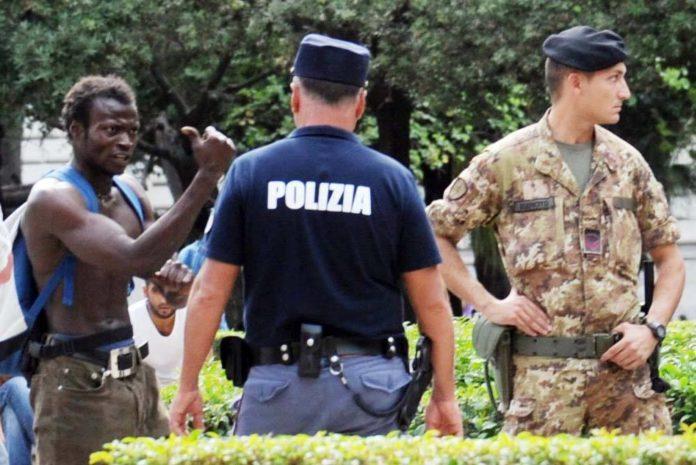 Bari, arresto di migrante a Piazza Umberto scatena l'inferno, connazionali affrontano le forze dell'ordine, parapiglia generale