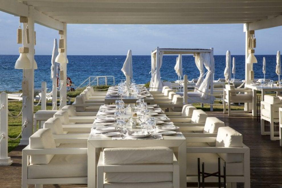 Puglia, le magiche foto del resort, eletto miglior hotel del mondo dove Madonna festeggerà il suo compleanno, attesi tanti invitati vip