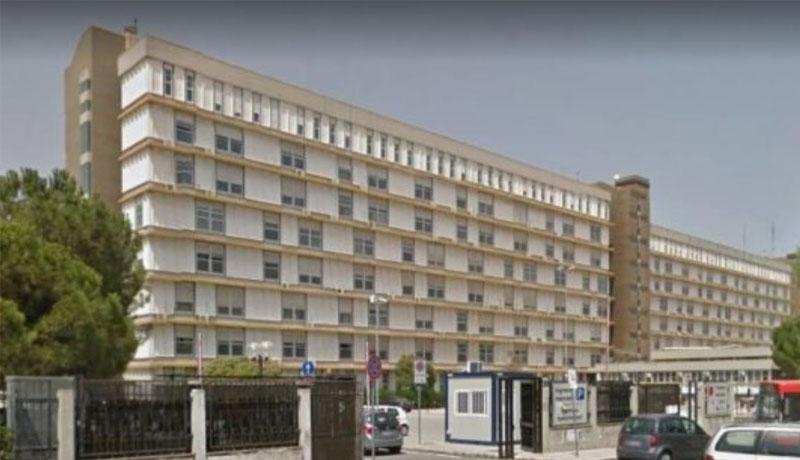 Bari, due vigili urbani selvaggiamente picchiati all'Ospedale San Paolo da parcheggiatore abusivo e da sua moglie