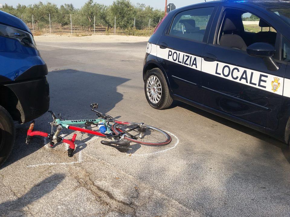 Foggia, camion travolge bicicletta, ciclista trasportato d'urgenza in codice rosso