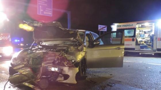 22enne ubriaco, si schianta contro un'altra auto, muore ragazza di soli 20 anni gravissima la madre