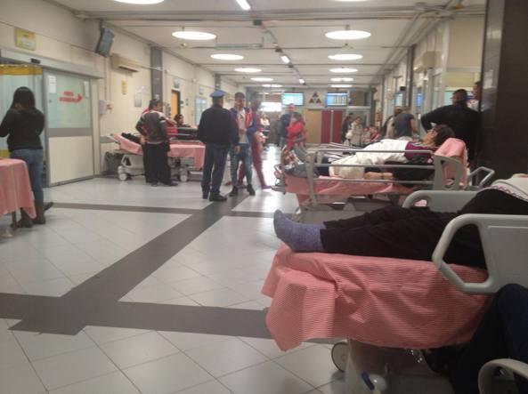 Sanità choc, paziente muore in ospedale, cadavere lasciato tre ore nel bagno dell'ospedale