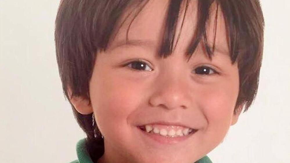Attentato Barcellona, Julian il piccolo di 7 anni disperso, poi ritrovato è morto, il dolore del padre