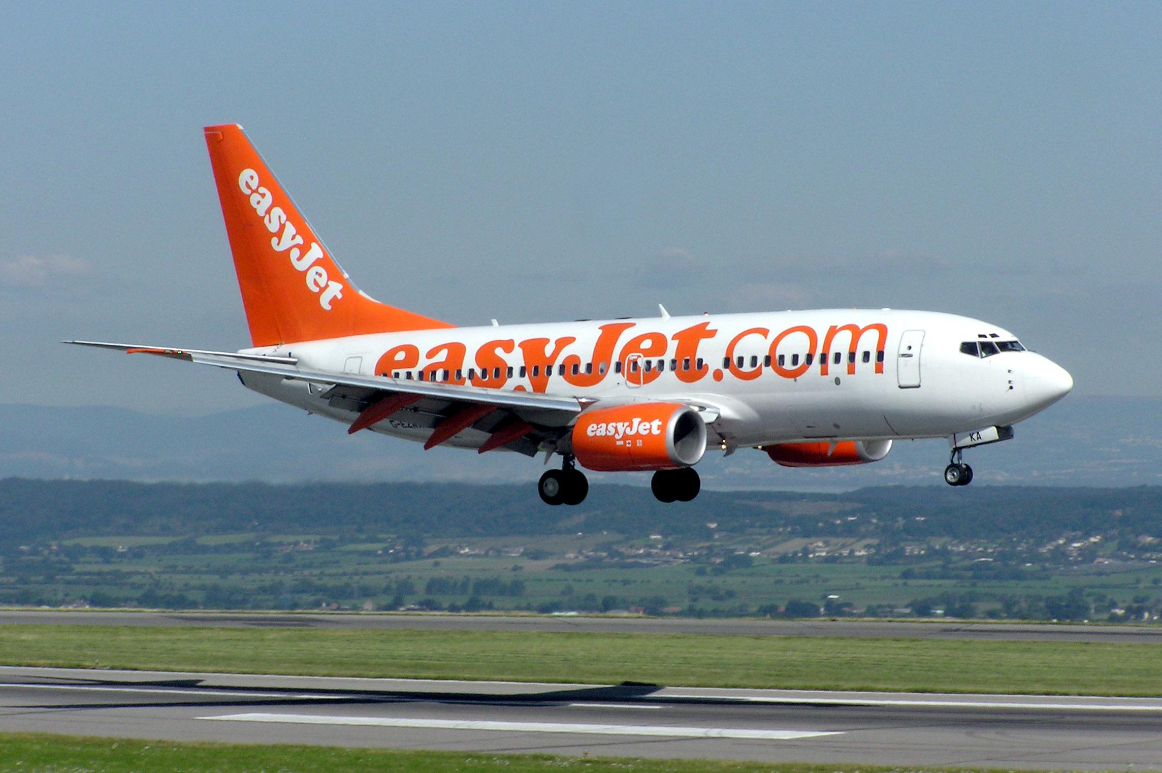 Pilota alla cloche dell'aereo di volo della compagnia EasyJet dopo aver assunto ecstasy, le dure conseguenze
