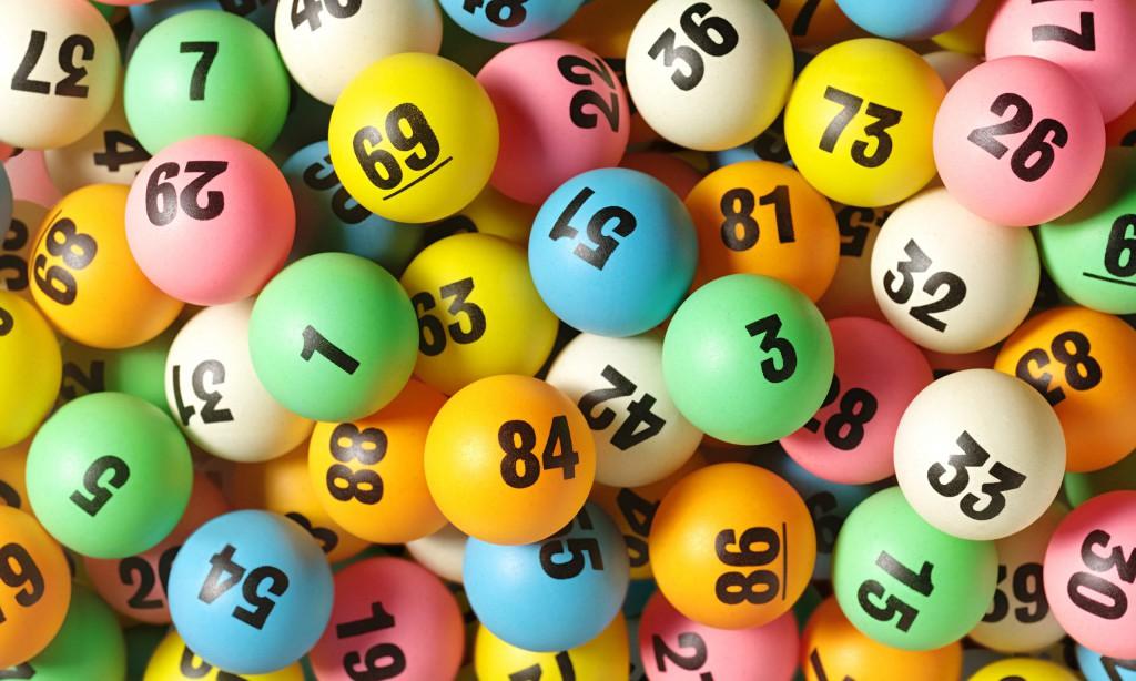 """Vince la lotteria e la prima cosa che fa è quella che sognano tutti, chiama il suo capo """"Non torno mai più al lavoro"""""""