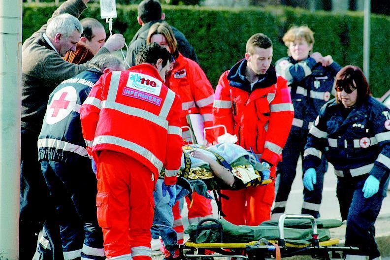 Intossicazione in un noto hotel, stabile completamente evacuato sono 20 le persone trasportate d'urgenza in ospedale