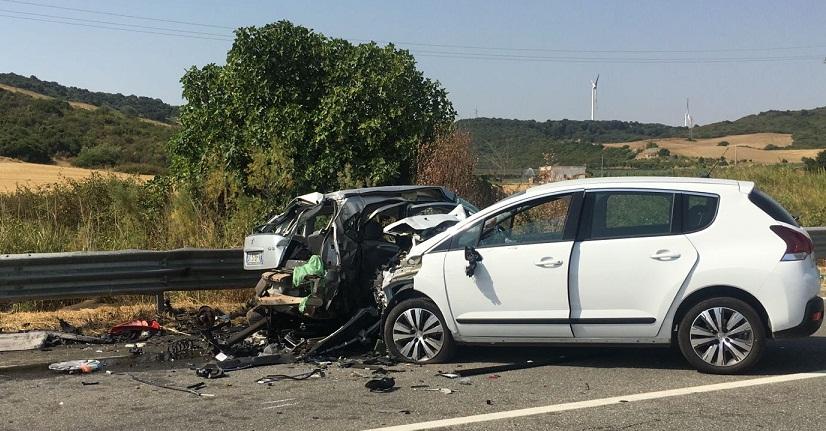 Terribile incidente sulla Matera – Metaponto quattro mezzi coinvolti, muore ragazza barese, sette i feriti