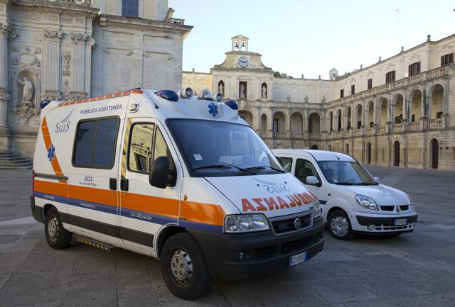 Puglia tragico gesto, donna si lancia dal balcone, muore qualche ora dopo
