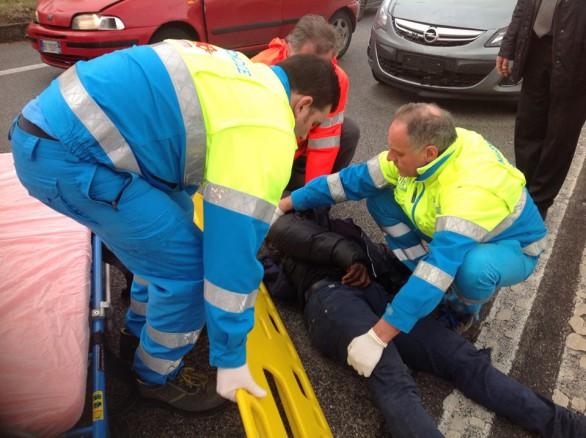 Puglia, tragedia sfiorata, 52enne tamponato da un'auto e trascinato sull'asfalto