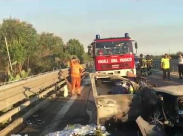A 40 chilometri da Bari, albanese ubriaco tampona un'auto che prende fuoco, morti un uomo e due donne carbonizzati e irriconoscibili