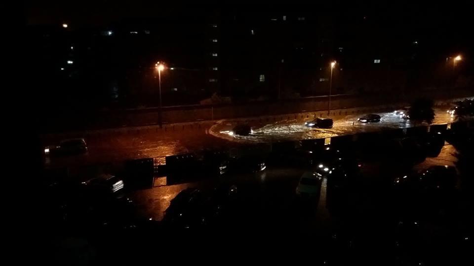 Nubifragio a Taranto, in meno di un'ora caduti ben 70mm di pioggia, strade e negozi allagati