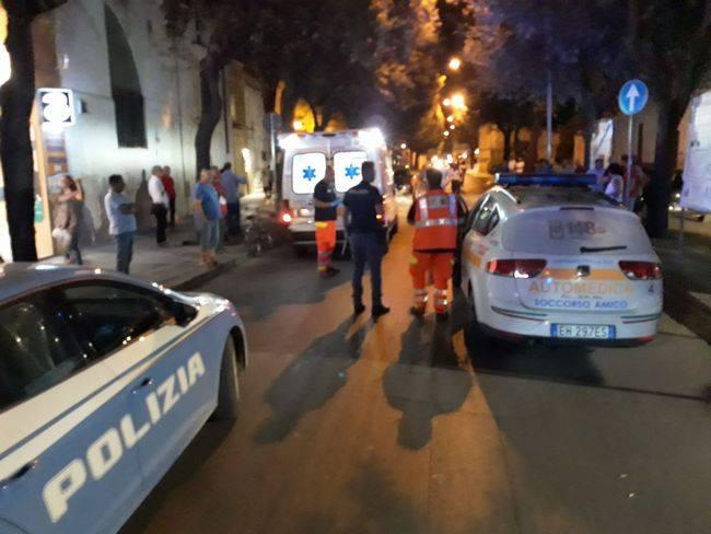 Puglia, ragazza resta a terra a lungo priva di sensi al centro della strada, trasportata d'urgenza in ospedale