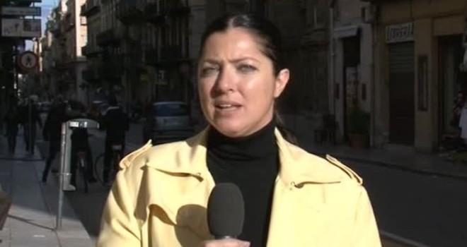 Striscia Notizia, aggredita e presa a bastonate l'inviata Stefania Petyx