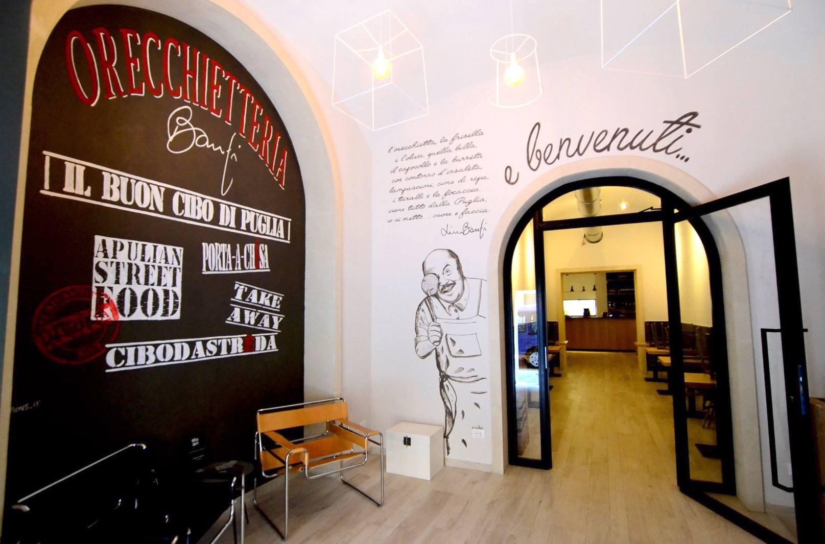 """A Roma Lino Banfi porta un altro pezzo di Puglia, apre un suo ristorante, il piatto di punta le orecchiette alla """"porca puttèna"""""""