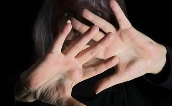 Trecastagni, dopo le cure in Guardia Medica, violenta la dottoressa