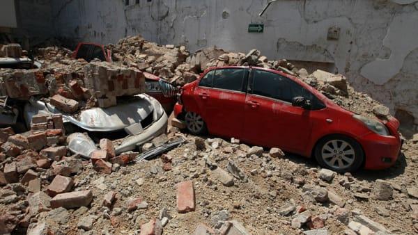 Terremoto in Messico, scossa violentissima, una catastrofe,molte le vittime sotto i palazzi sgretolati