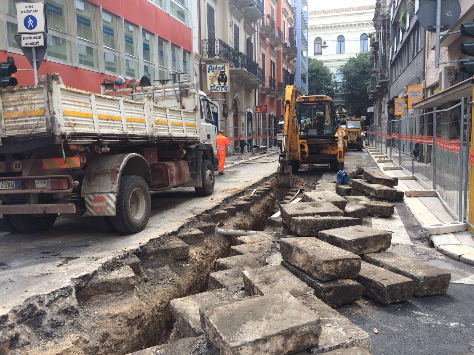 Al via la riqualificazione dei due tratti pedonali di via Roberto da Bari