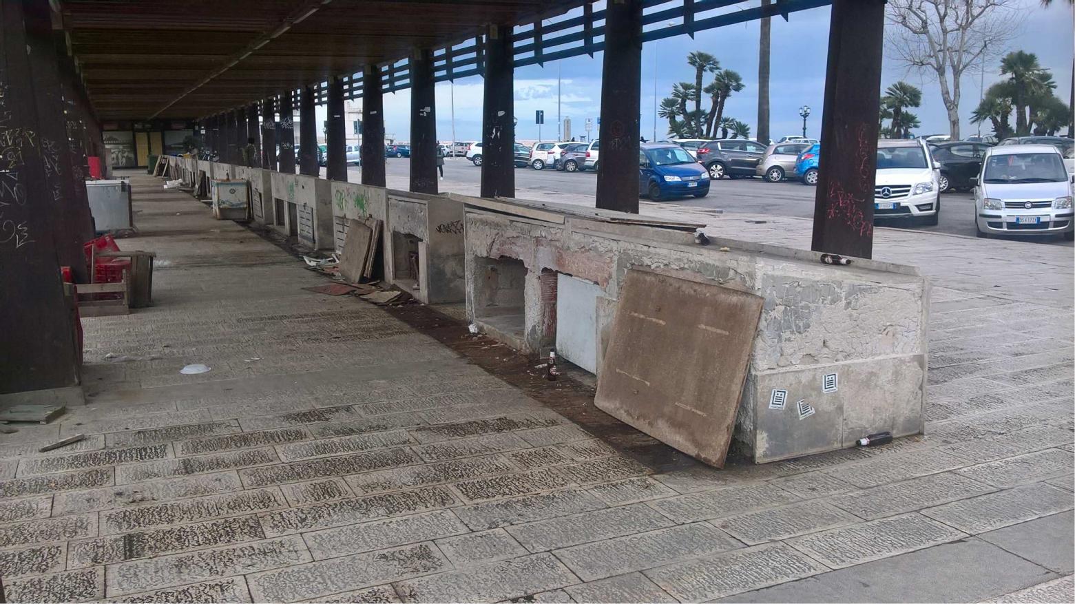 Bari, cambia look il molo di San Nicola, via i vecchi banconi in muratura
