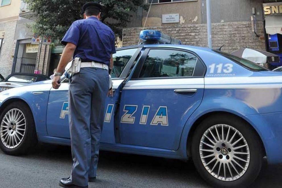 Nel barese, arrestato albanese autore di 12 rapine a ragazzini tra i 12 e 14 anni, identificato per una foto su Facebook