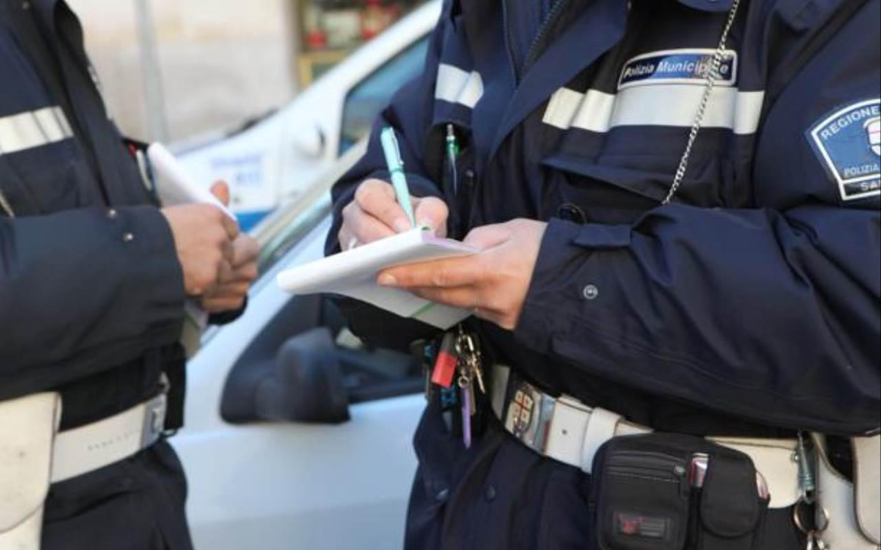 Notte da guinness dei primati per un automobilista di origine africana,  commette ben 29 infrazioni che gli costano 109 punti in meno alla patente e 5.540 euro di multa