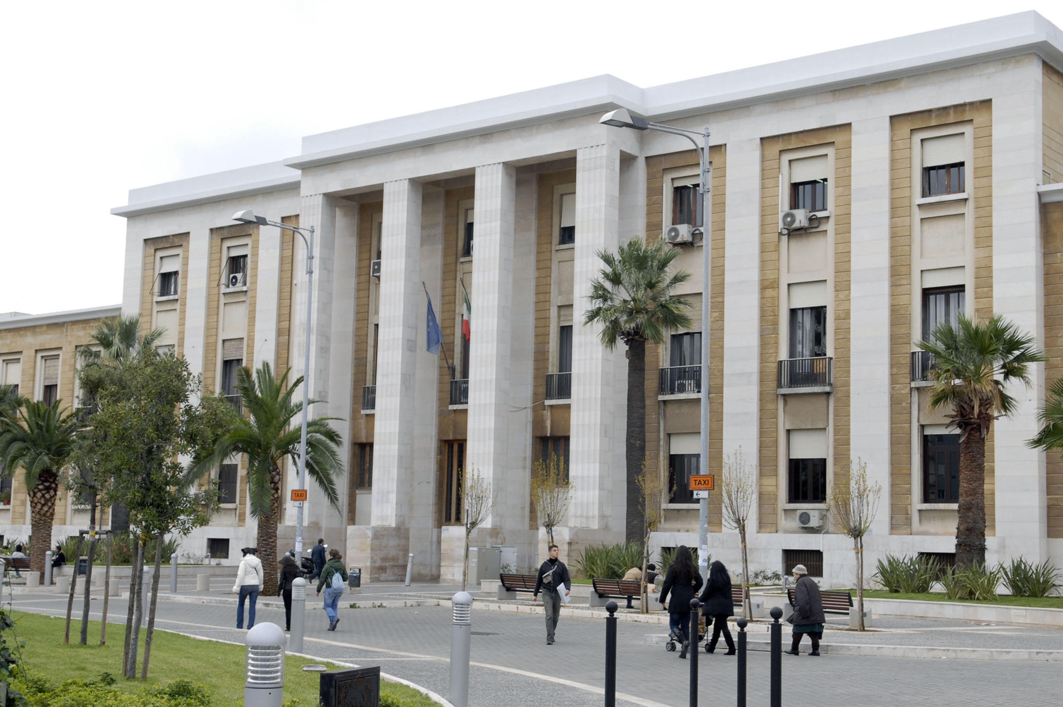 Corona virus a Bari, sono quattro le persone ricoverate al Policlinico in condizioni critiche e ora risultano essere guarite