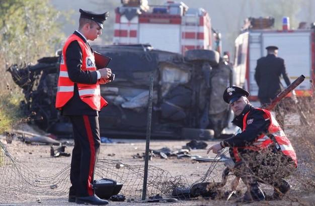 La scena che si è presentata ai soccorritori è stata drammatica… tremendo incidente stradale due 22enni morti, un 18enne gravissimo