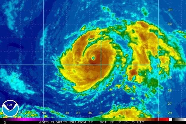Ophelia, l'uragano prende forza con venti oltre 160 km e si dirige verso l'Europa