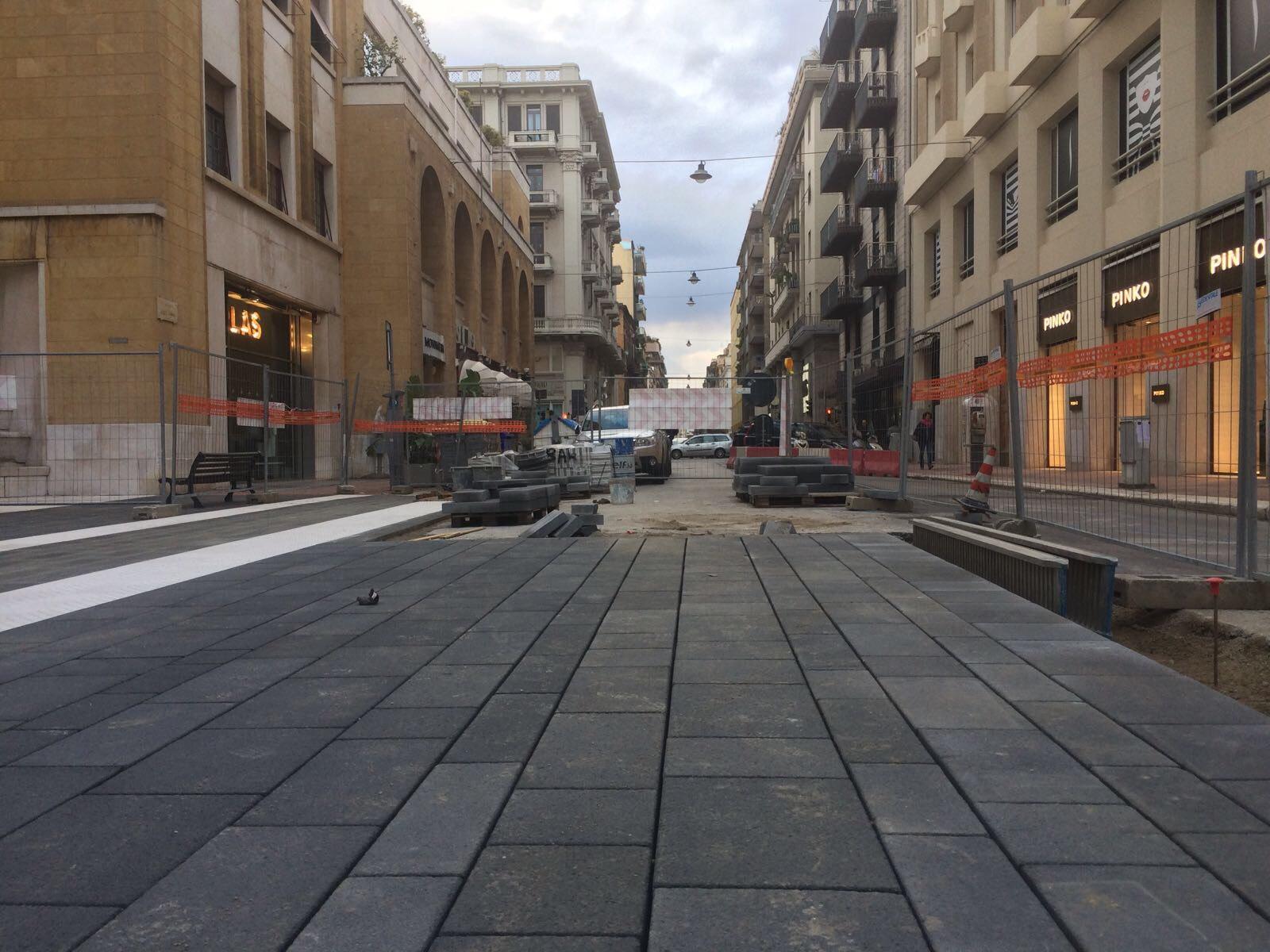 Bari restyling in via Sparano, nuova pavimentazione per metà della carreggiata fino a via Abate Gimma